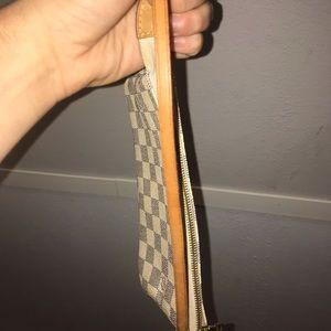 Louis Vuitton Bags - Louis Vuitton Damier Azur Pochette purse